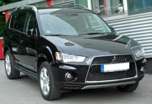 Mitsubishi_Outlander_II_Facelift_front_20100606